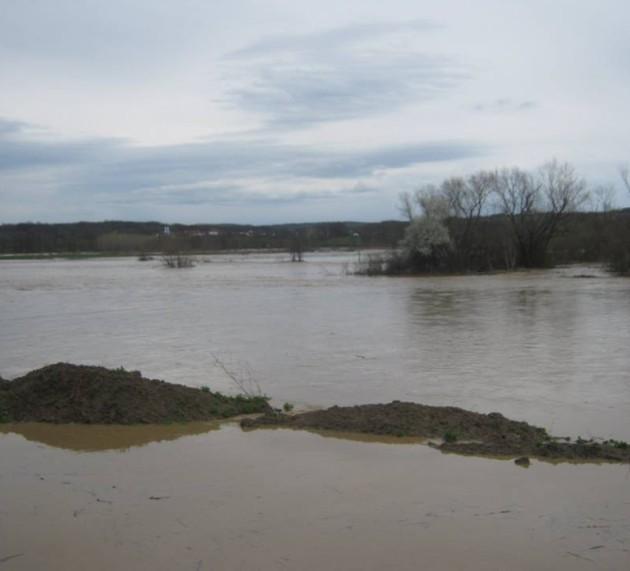 Ванредна ситуација у 15 општина, поплављено 710 домаћинстава